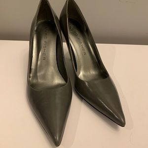 Grey Marc Fisher pointed pumps